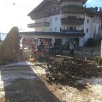 Pflasterarbeiten 2 Tage vor Hoteleröffnung
